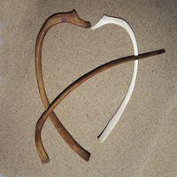 Bogenförmig, ein Ende verformt